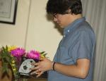 Joven estudiante en la presentación del libro El otro paredón en FIU
