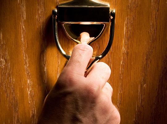 llamar_puerta
