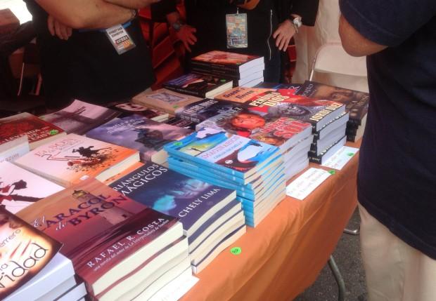 Amplia selección de best sellers y novedades de autores hispanos en la Feria del Libro de Miami