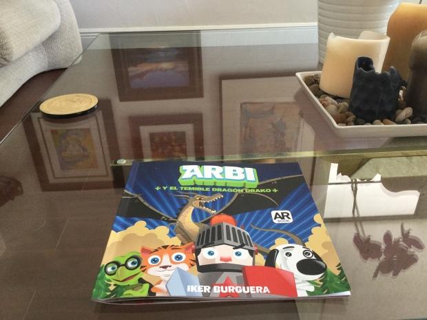Con la aplicación ARBI disponible en  Google Play y  App Store de un cuento infantil tradicional surgen personajes que cobran vida propia (Foto anterior)