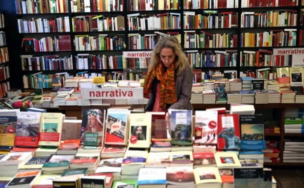 Lector medio español:  mujer joven universitaria y urbana que lee por entretenimiento