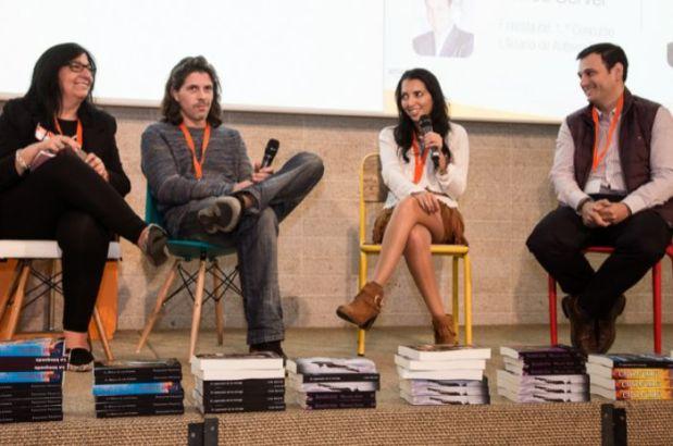 Presentación en el 1er Encuentro de Autores Indpendientes. De izquierda a derecha: Antonia Corrales, Fernando Trujillo, Myriam Millán y Carlos Server